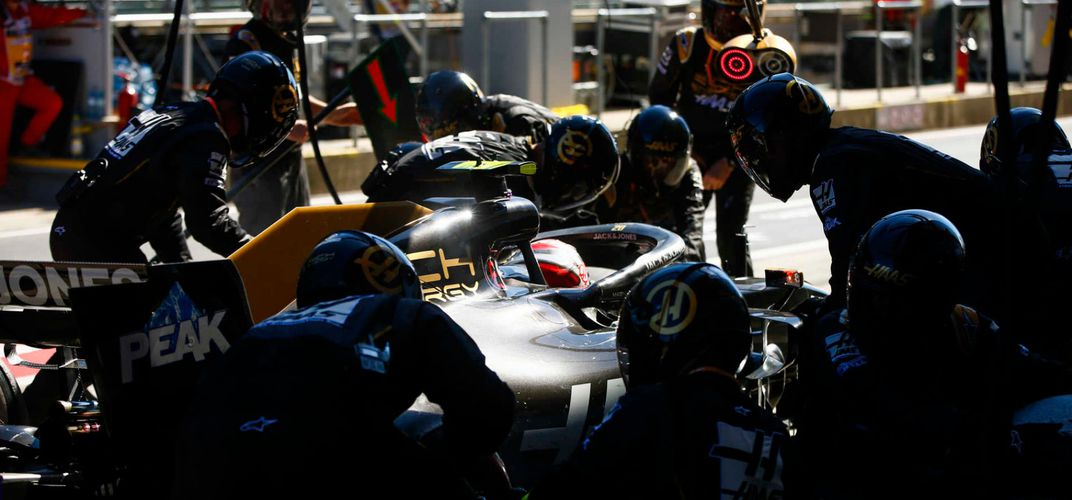 Pit crew during 2019 Grand Prix. Credit: Formula 1