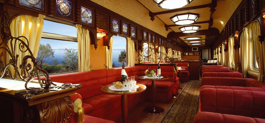Lounge aboard the <i>Golden Eagle</i>