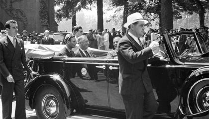 When Franklin Delano Roosevelt Served Hot Dogs to a King