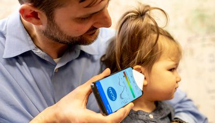Researchers Develop App That Plays Chirping Sounds to Check for Ear Infections