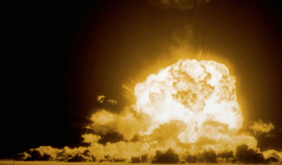 Preview thumbnail for video'Capturing a Photograph of an Atomic Bomb Blast