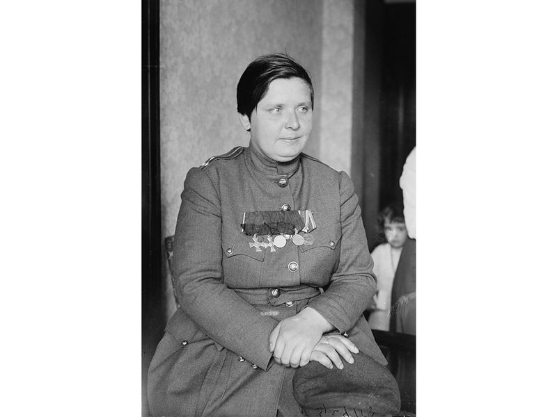 the women warriors of the russian revolution history