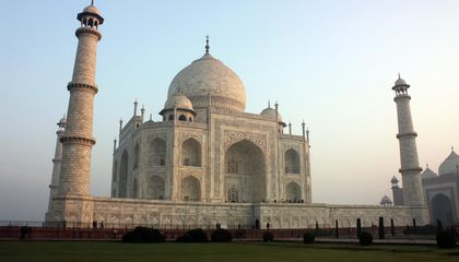 India to Cap Number of Taj Mahal Visitors