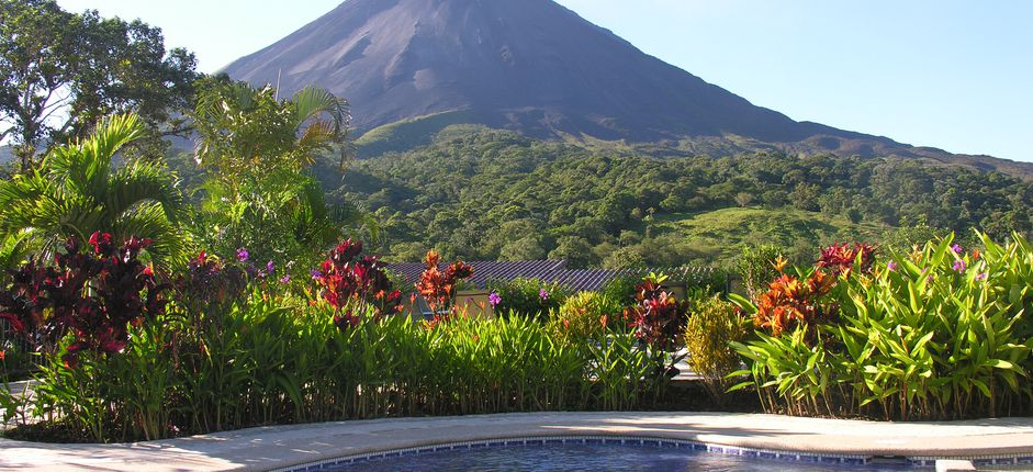 Costa Rica's Cloud Forest and the Coasts: A Tailor-Made Journey This sample itinerary can be tailored to match a variety of budgets and interests