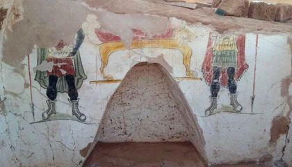 Image: Archaeologists find Rome-era tombs in Egypt's Western Desert