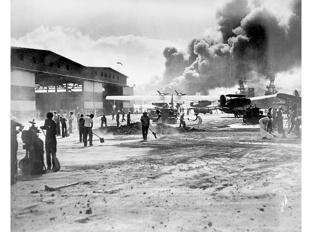 a history of the attack of the naval base at pearl harbor by the japanese For several years before 1941, japanese naval plans had contemplated a possible submarine attack on the united states fleet in hawaiian waters, but it was only in january of that year that a scheme was proposed for a surprise air attack on the fleet while berthed and anchored in pearl harbor.