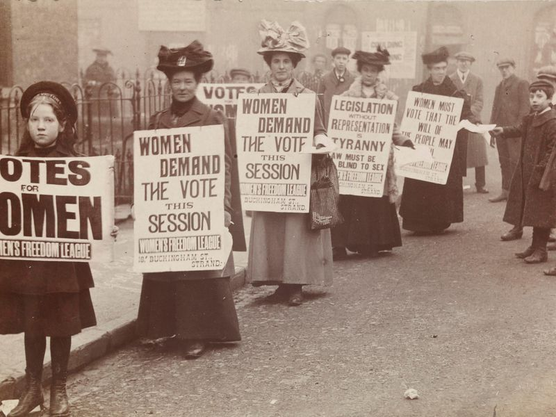 Stories of Forgotten Suffragettes Come Alive in New Exhibition | Smart News  | Smithsonian Magazine