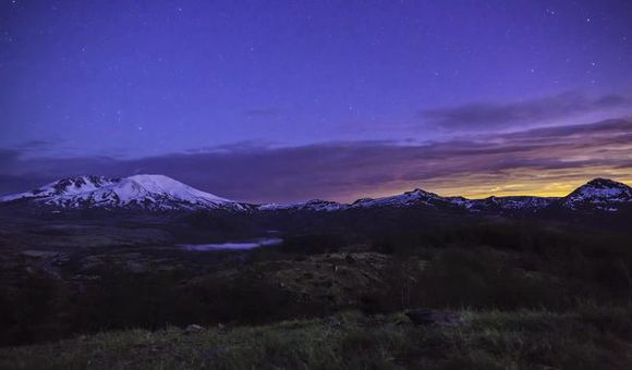 Preview thumbnail for video'Stunning Timelapse of the Pacific Northwest
