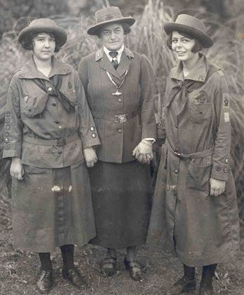 Juliette Gordon Low with two Girl Scouts