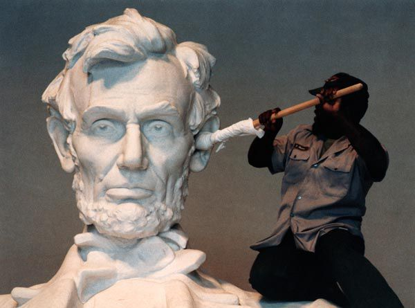 lincoln-memorial-caption-contest.jpg