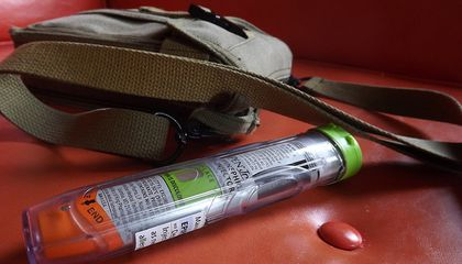 Should EpiPens Be Stocked Everywhere People Eat?
