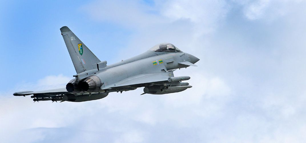 Caption: Why are the Eurofighter's wingtips different?