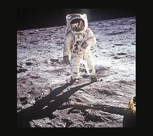 buzz aldrin on the moon 1969 the best photo of the first humans on another heavenly body neil armstrong is reflected in aldrins visor