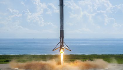 Image: SpaceX launches Air Force's super-secret minishuttle