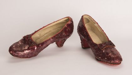 After 13-Year Chase, F.B.I. Nabs Pair of Dorothy's Ruby Slippers