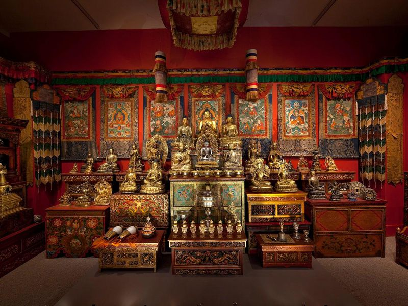2010 image of Tibetan shrine[1].jpg