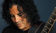 Apache guitarist Stevie Salas