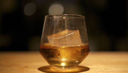 The Scientific Reason You Should Add a Splash of Water to Your Whiskey
