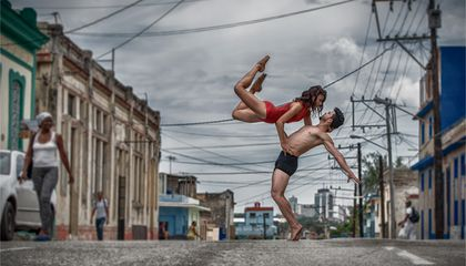 A Photojournalist Captures Dramatic Portraits of Dancers in the Streets of Cuba