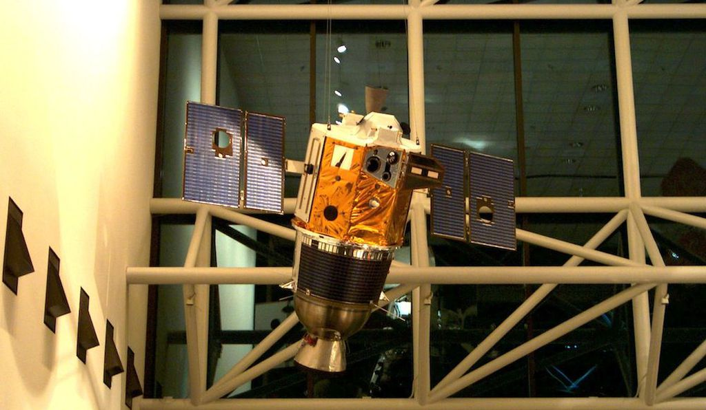 Engineering model of the Clementine spacecraft in the Lunar Exploration Vehicles exhibit at the National Air and Space Museum. Interstage and solid rocket motor (bottom half) was discarded before insertion into lunar orbit.