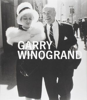 Preview thumbnail for video 'Garry Winogrand (Metropolitan Museum, New York: Exhibition Catalogues)