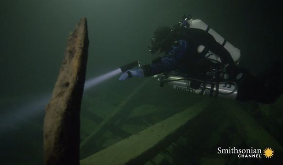 Preview thumbnail for video'Team of Explorers Uncover Famous Sunken Ship