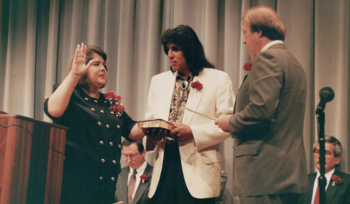 The swearing in of Wilma Mankiller as Principal Chief of the Cherokee Nation of Oklahoma. Charlie Soap holds the Bible; the others are unidentified. Courtesy of the Wilma Mankiller Foundation.