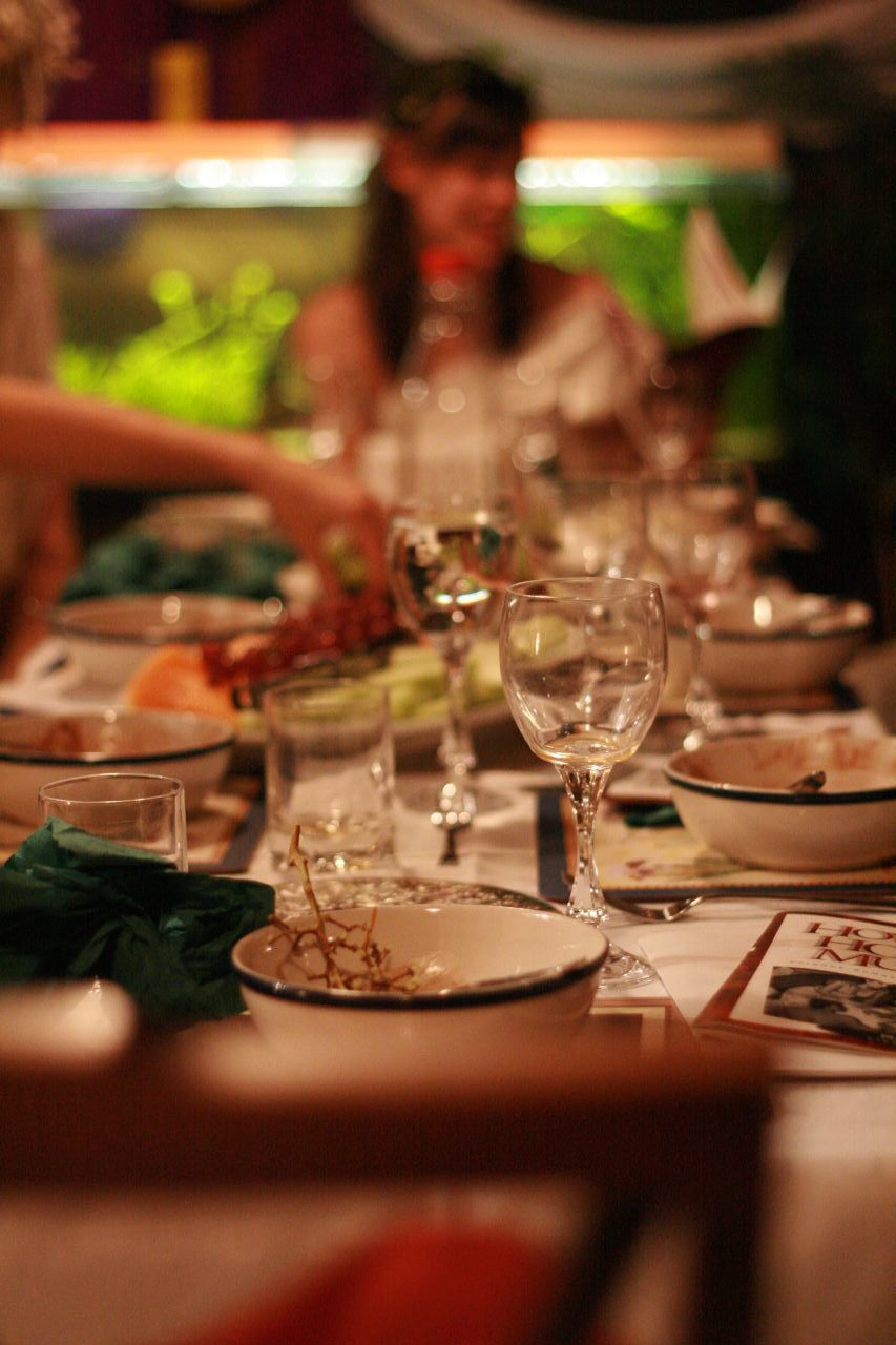 Games to Play Around the Dinner Table | Arts & Culture