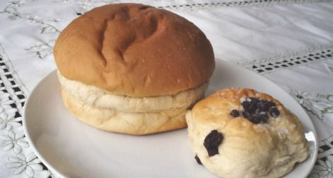 The Sally Lunn bun (left) and the Bath bun (right)