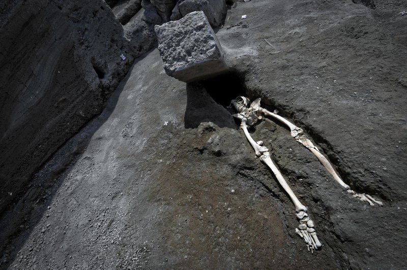New find at Pompeii shows man crushed trying to flee eruption