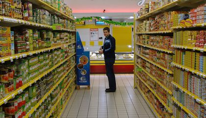 French Government Plans to Fine Grocery Stores That Throw Away Food