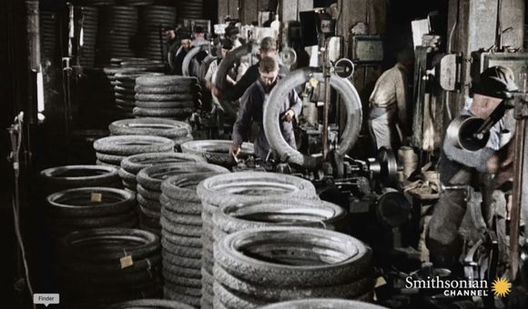 Preview thumbnail for video'How Henry Ford Found the Right Tires for Model T Cars