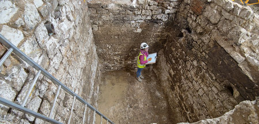 Archaeologists Unearth Trove of Medieval Artifacts in London Cesspit