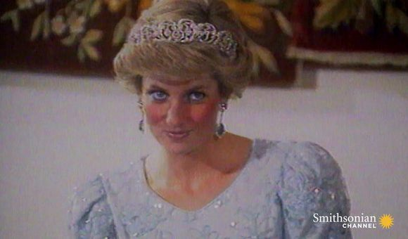 Preview thumbnail for video'Princess Diana Knew Exactly How to Be Photographed