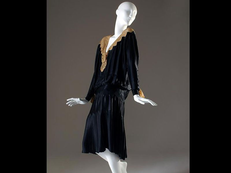 A Coco Chanel Little Black Dress Released In 1926 Museum At The Fashion Insute Of Technology Gift Mrs Georges Gudefin