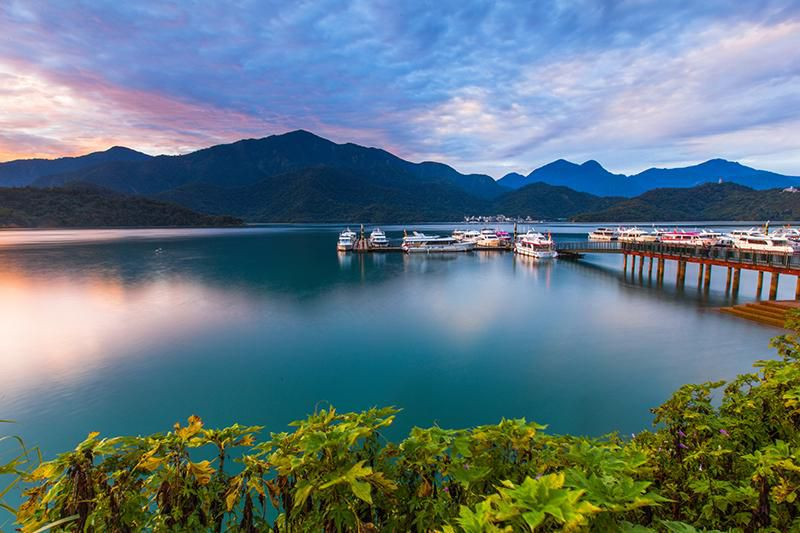 Sun Moon Lake in Taiwan.jpg