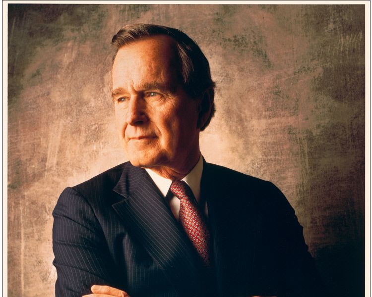 looking back at george h w bush s lifelong career of public service