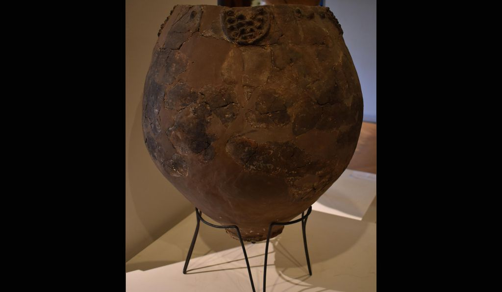 A Neolithic jar — possibly a Neolithic qvevri used for brewing wine — from the site of Khramis Didi Gora, on display at the Georgian National Museum.
