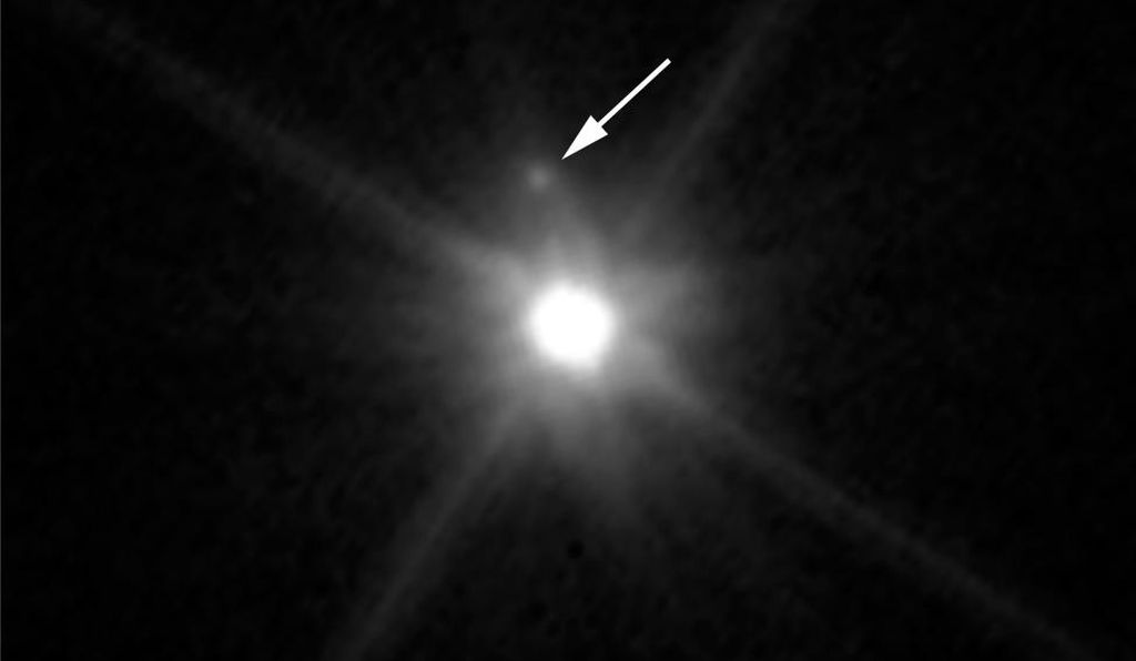 MK2, located just above Makemake in this image, is barely visible because it is almost lost in the glare of the very bright dwarf planet.
