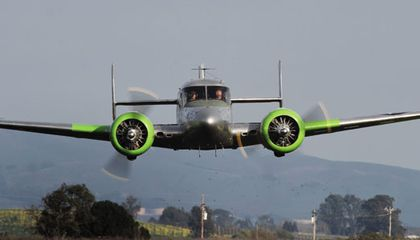 Pilots and Fans Dedicated to Prolonging the Stardom of the Beech 18