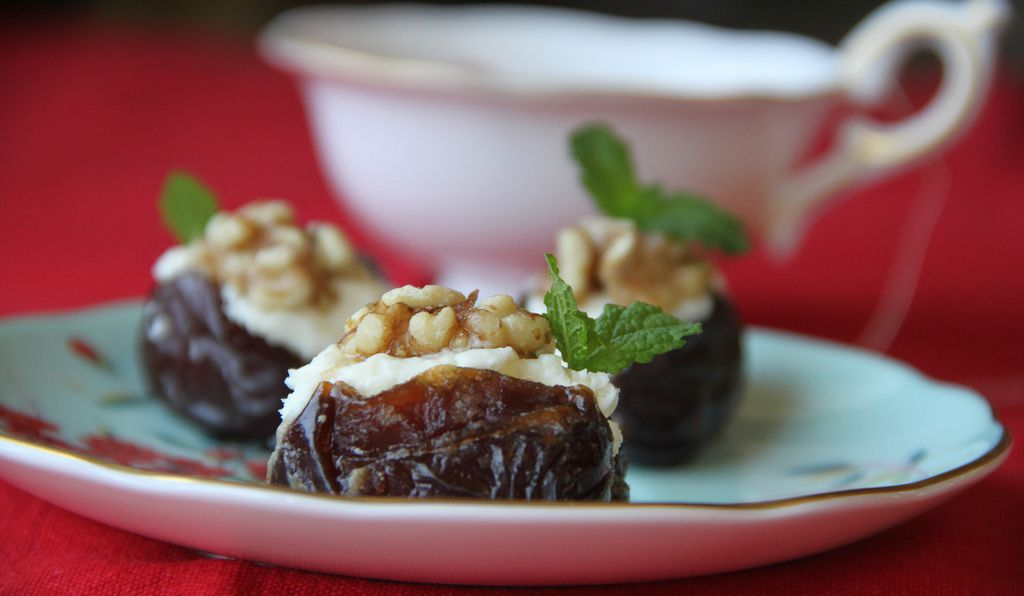 Dates stuffed with ginger and a cream filling.