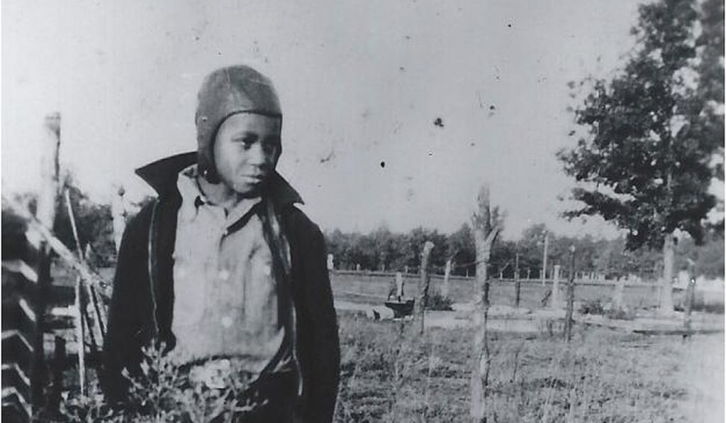 James Earl Jones. In the migration's early years, 500 people a day fled to the North. By 1930, a tenth of the country's black population had relocated. When it ended, nearly half lived outside the South.