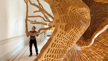 This Artist Recreated a Magnificent 40-Foot-Tall Tree From the Cascade Mountains by Hand