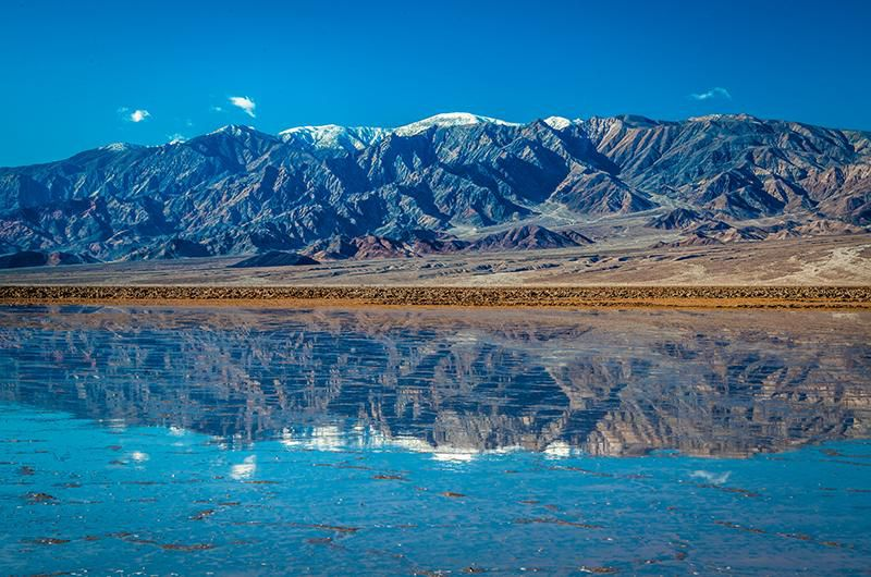 Flooding Creates a 10-Mile-Long Lake in Death Valley | Smart