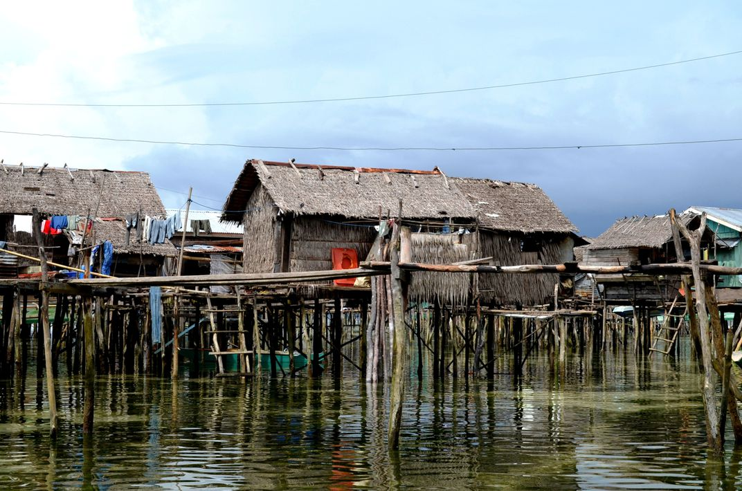 These Are The Houses Of The Sea Gypsies The Badjaos In