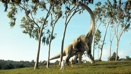 You Could Soon Roam With Dinosaurs at a Realistic (Animatronic) Jurassic Park