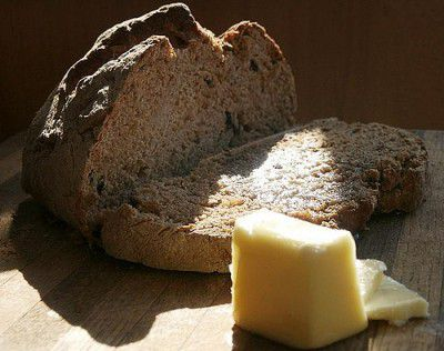 20110520090151Irish-soda-bread-by-MizD-400x316.jpg