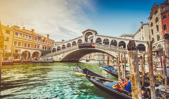 Northern Italy: featuring the Italian Lake District