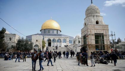 A Small Fire Broke Out at Jerusalem's Al-Aqsa Mosque as Flames Ravaged Notre-Dame