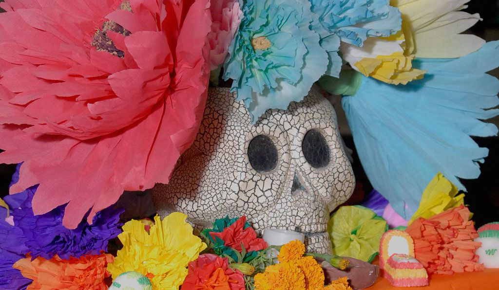 Practiced primarily in Mexico, El Día de Los Muertos, or the Day of the Dead, traces its origins to both Spanish and indigenous influences.